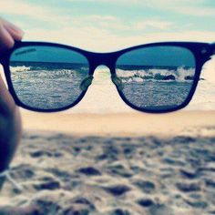 Beach - seeing perspective POV photography of the ocean sea waves crashing and sand through ray ban sunglasses Cute Summer Pictures, Summer Photos, Beach Photos, Cool Pictures, Cool Photos, Tumblr Summer Pictures, Tumblr Photography, Beach Photography, Beach Bum