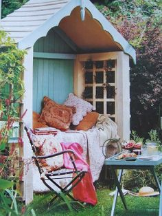 Would love to sit in this and look at my garden... When I have a garden... And a house.  :)