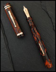 Carter Superwear fountain pen in mottled hard rubber, ca. Vintage Pens, Fine Pens, Dip Pen, Penmanship, Writing Instruments, Fountain Pens, Script, Paradise, Writer