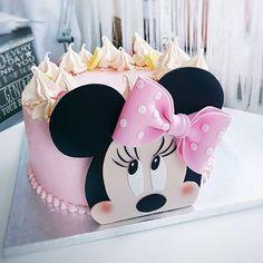 Mini Mouse Cake Mini Mouse Birthday Cake, Mini Mouse Cupcakes, Mickey Mouse Birthday, Minnie Mouse Party, Birthday Cake Girls, 2nd Birthday, Bolo Minnie, Minnie Cake, Mickey Cakes