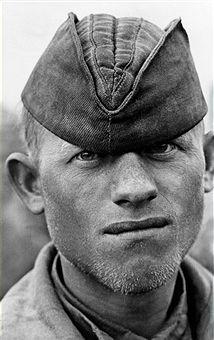 Communist Propaganda, Gear 4, Ww2 Photos, World War, Character Inspiration, Military, Portrait, Face, Military Vehicles