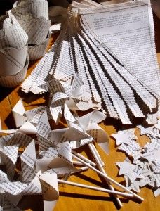 Book party birthday, old book pages, craft idea, book theme, pinwheel, paper crafts, book page crafts, parti idea, old books