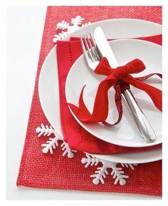Preparing the Christmas Table #SAHM #Christmas