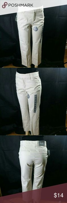 """J M Collection Women's Straight-leg Trouser pants Jm Collection Petite Twill Straight-leg Trouser pants, size 10p-short, color beige, no gap waistband, comfort elastic, Tummy Slimming panels., made of polyester, cotton and spandex blend, 5-pocket styling, 3 - button and zipper closure, belt loops, measure's 27"""" inseam, 21"""" hips, 14"""" waist, 10"""" front rise,  12"""" back rise with 9"""" leg opening, $ 27.98 Retail price value, comes new with tags as closeout item in good cosmetic condition. J M…"""