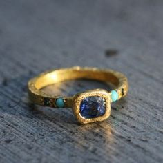 Beautiful bague sentiment saphir, turquoise ring. 18 carats by Esther Assouline.