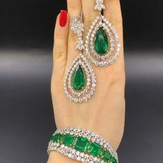 9fcd8dd8397 Beautiful diamonds and emeralds Diamond Gemstone