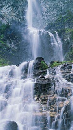 Rauschende Wasserfälle: Jungfernsprung, Hohe Tauern Bild: Popp&Hackner