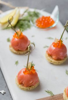Festive aperitif: Domes of smoked salmon with fresh cheese and fennel , Finger Food Appetizers, Finger Foods, Appetizer Recipes, Ricardo Recipe, Christmas Appetizers, Smoked Salmon, Culinary Arts, Clean Eating Snacks, Tapas