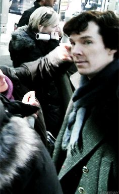 """""""Oh, hey there..."""" –– Sherlock behind the scenes (gif)"""