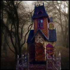 CROWL 2016 Tim Holtz Village Manor - Halloween