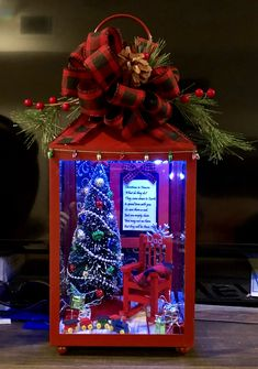 25 Cheap and Easy DIY Outdoor Christmas Lanterns Decorations Ideas 7 – Unique Christmas Decorations DIY Christmas Decor Diy Cheap, Outdoor Christmas Decorations, Simple Christmas, Christmas Lanterns Diy, Diy Christmas Nail Art, Christmas Chair, Christmas Centerpieces, Christmas Shadow Boxes, Christmas Ornaments