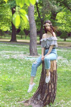 MOMMY JEANS & DAISIES FIELD   http://jenniferbachdim.com/2015/06/15/mommy-jeans-daisies-field/  #WEGO #Japan #fashionblog #streetsyle #styleblog #JenniferBachdim