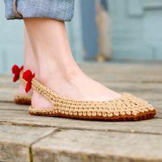 Crochet chaussons motif escarpins femme tailles 3-12 par Mamachee