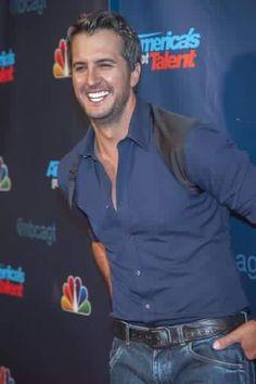 Dentists Agree: Luke Bryan's Teeth are Perfect Luke Bryan Pictures, Luke Bryan Quotes, Best Country Singers, Country Artists, Like Bryan, Country Girl Quotes, Girl Sayings, Bryan Singer, Bae