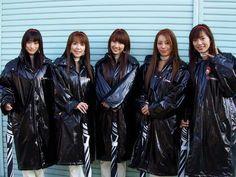 Promotion canapé. Spice Girls, Vinyl Raincoat, Pvc Raincoat, Imper Pvc, Latex Wear, Bronze, Grid Girls, Rain Wear, Unisex