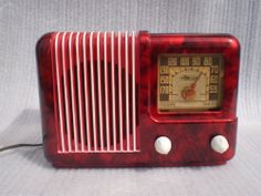 antique vintage  VERY COOL 1946 TRAV-LER ART DECO BAKELITE TUBE RADIO