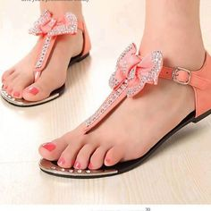 Peach sandals, t-strap, bow, jewels and glitter. I don't really care for the… Pretty Shoes, Beautiful Shoes, Cute Shoes, Me Too Shoes, Fab Shoes, Pink Shoes, Sparkly Shoes, Guess Shoes, Dream Shoes