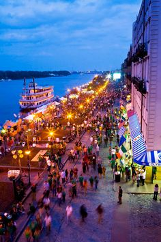Savannah GA - Riverstreet. Didn't get to spend much time there last time.