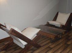 Poltrona legno fienile. Sedia a sdraio di legno recuperato.