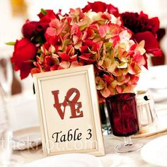 I love the table number frame!