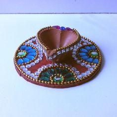 Kundan Diya Plate & Decorative Diya - Online Shopping for Diyas and Lights by Dipti Art & Craft Diya Decoration Ideas, Diy Diwali Decorations, Festival Decorations, Diwali Craft, Diwali Rangoli, Diwali Gifts, Cd Crafts, Crafts For Teens, Arts And Crafts