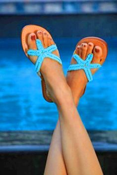 Bikini Bottom Flat Sandals - cute for beach, pool and trips to Vegas, baby! Good sandals for baby boomer women over 50