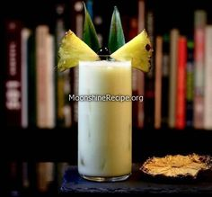How To Make Coconut Cream Pineapple Cocktail