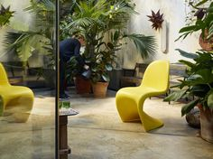 Vitra Panton Chair Weiß 1960s vitra panton chair gets a limited edition sunlight finish