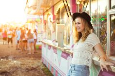 senior pictures - photography - barn photoshoot - senior portraits - portrait photography - golden hour - portraits - soft lighting - carnival photoshoot - fair photoshoot - cotton candy - farris wheel - carousel - hat - best friends - summer photography