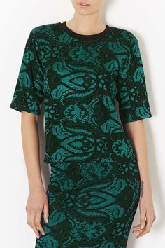 Tee in paisley jacquard fabric with contrast black rib on neckline, beautiful.