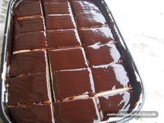 "Kolač ""varijacija na temu Munchmallow"" Albanian Recipes, Bosnian Recipes, Croatian Recipes, Oatmeal Chocolate Chip Cookies, Chocolate Desserts, Cooking Cake, Cooking Recipes, Bakery Recipes, Dessert Recipes"