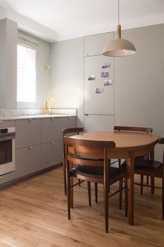 Exceptionnel BATEAUMAGNE Architecture   Maurice Barrès   Cuisine Gris Nuage Plan De  Travail Marbre Carrare   Poignées