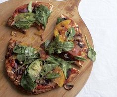 Recipe: Grilled Mushroom, Onion, and Fontina Pizzas with Fresh Tomatoes and Arugula