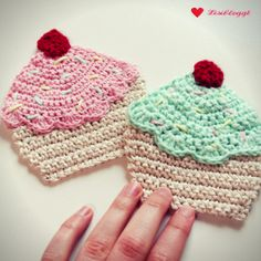 Knitted Hats, Crochet Hats, Crochet Kitchen, Lana, Crochet Earrings, Patches, Knitting, Blog, Handmade