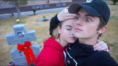 GOING TO A CREEPY GRAVE YARD!!