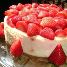 This is the best cheese cake ever, a true New York cheese cake!