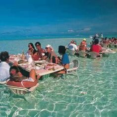 Floating food place in Hawaii