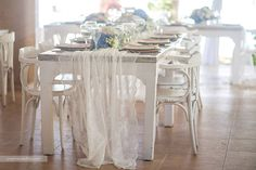 Guest table wedding decor in Kukua Punta Cana, Dominican Republic| Photo by Jorge Mendez Fotografia