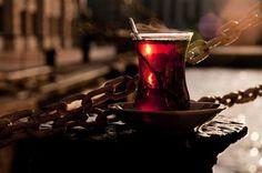…Kaç bardak çay kurtarır, efkara düşmüş halimizi; O uzun bekleyişlere, aldığımız nefes dahi yetmezken?