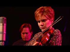 42 best alison krauss images bluegrass music music my music rh pinterest com