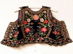 Embroidered bodice of a folk costume from the Kraków West region, Poland [source]. Polish Embroidery, Folk Embroidery, Embroidery Fashion, Embroidery Designs, Indian Embroidery, Embroidery Stitches, Traditional Fashion, Traditional Dresses, Folk Costume