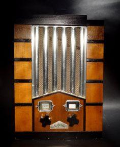 Majestic Model 59 Studio Art Deco Machine Age Tube Radio