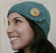 Super cute knit hat is ideal project for beginners (@ I Dream of Knitting)