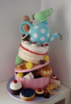 http://www.takesthecake.net.au/High%20Tea%20Topsy%20Turvy,%20with%20Handi%20Mulyana.JPG