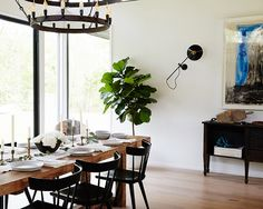 Dining room in Athena Calderone's Amagansett Home • on @SavvyHome