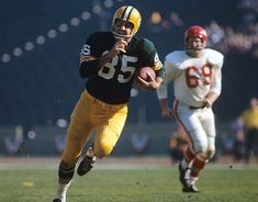 Max McGee: Untold Story of Green Bay Packers Super Bowl hero Packers Football, Football Helmets, Super Bowl I, Packers Super Bowl, Bart Starr, Athletic Looks, Professional Football, Sports Photos, Sports Illustrated
