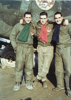 1944-ITALY BRAZILIAN AIR FORCE in the photo have Rui, Torres and George. The scarves denote clearly the Squadrons that perteciam pilots.