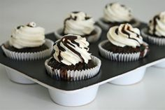 Cakelets and Doilies: Root Beer Float Cupcakes