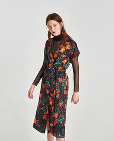 PRINTED MIDI DRESS Zara Outfit, Short Sleeve Dresses, Dresses With Sleeves, Long Sleeve, Work Looks, Dress Collection, Wrap Dress, Prints, Outfits