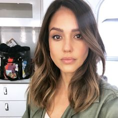 Chk out my insta stories to see how to get the look ♀️ @honest_beauty Makeup and Hair products? #honestbeauty